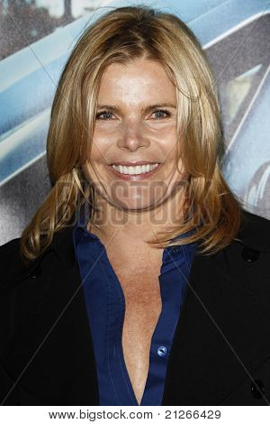 LOS ANGELES - MAR 22:  Mariel Hemingway arriving at the Los Angeles HBO Premiere of 'His Way' at Paramount Studios in Los Angeles, California on March 22, 2011.