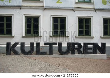Letters cultures