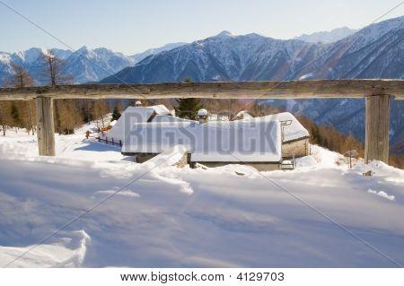 Paisaje alpino de invierno