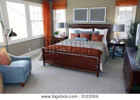 Comfortable Modern Designer Bedroom