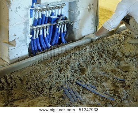 Execution of cement screed
