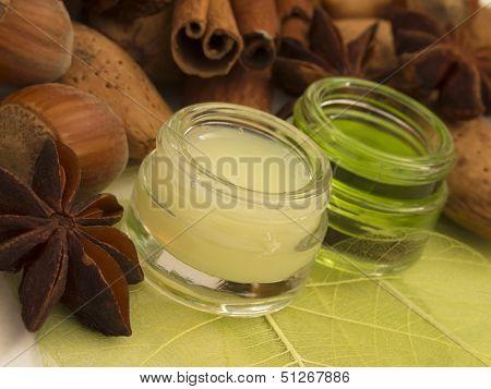 almond cosmetics