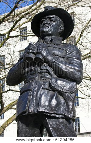 Viscount Slim Statue In London