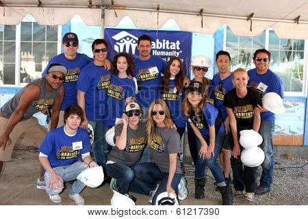 LOS ANGELES - MAR 8:  GH Cast headed by Lisa LoCicero at the 5th Annual General Hospital Habitat for Humanity Fan Build Day at Private Location on March 8, 2014 in Lynwood, CA