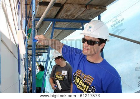 LOS ANGELES - MAR 8:  Rick Hearst at the 5th Annual General Hospital Habitat for Humanity Fan Build Day at Private Location on March 8, 2014 in Lynwood, CA