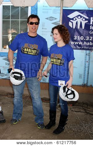 LOS ANGELES - MAR 8:  Rick Hearst, Rebecca Herbst at the 5th Annual General Hospital Habitat for Humanity Fan Build Day at Private Location on March 8, 2014 in Lynwood, CA