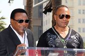 LOS ANGELES - MAR 6:  George Benson, Ray Parker Jr at the Ray Parker Jr Hollywood Walk of Fame Star