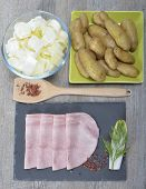 foto of endive  - meal tray consisting of endive ham and potatoes - JPG