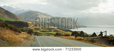 Scenic Road along Lake Hawea, South Island, New Zealand.