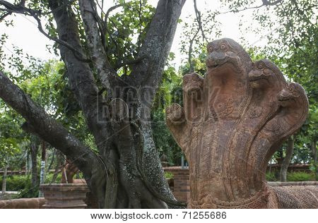 Five Head Naga Snake Statue