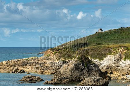 House On The Cliffs, Le Loc'h Bay (france)