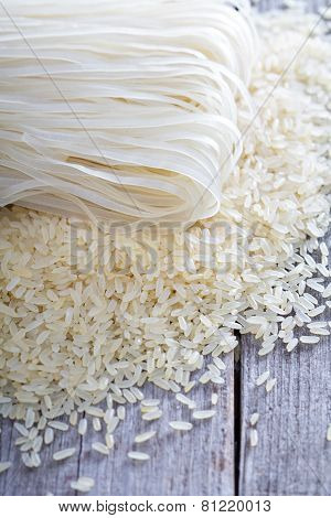 Dry rice and noodles on the table