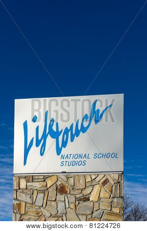 Lifetouch National School Studios Sign