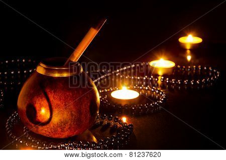 Kalebass to mate with burning candles
