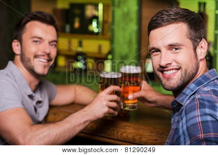 Friends Drinking Beer.