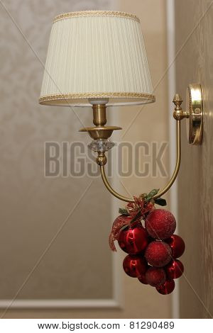 Light bulb sconces