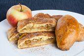 image of patty-cake  - Homemade apple pie - JPG