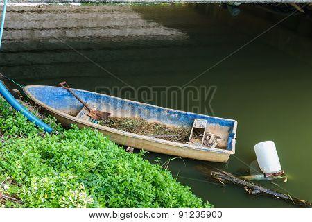 Dirty Boat For Activities In The Garden