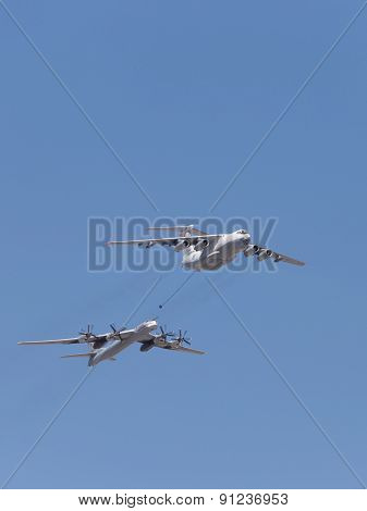 Tu 95Mc Bomber And Il 78 Tanker