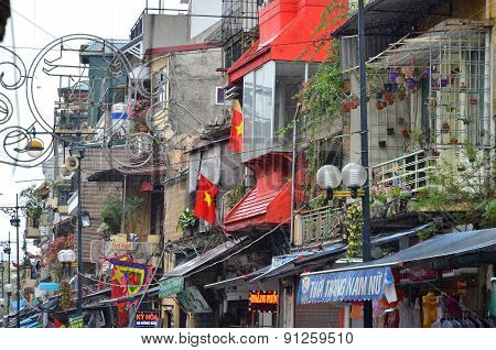 Ha Noi, Vietnam - March 01 2015: Houses And The Ground Floor Of Hanoi