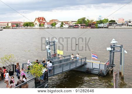 Bangkok - May 17 : Boat Piers In Chao Phraya River For Tourists And General Passengers