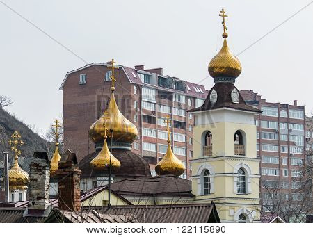 golden domes of the Orthodox Church in the city of Vladivostok