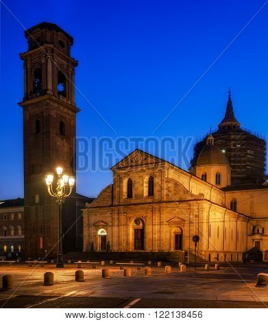 Duomo di Torino (Turin Cathedral) at blue hour