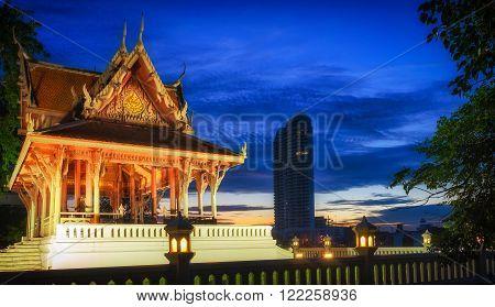 Bangkok, temple in Santi Chai Prakan Public Park