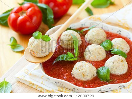 steamed chicken meatballs and tomato sauce