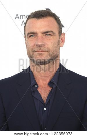 SANTA  MONICA - MAR 1: Liev Schreiber at the 2016 Film Independent Spirit Awards at Santa Monica Beach on February 27, 2016 in Santa Monica, California