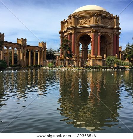 SAN FRANCISCO - FEBRUARY 27: The Palace of Fine Arts on February 27, 2016 in San Francisco, California, USA.