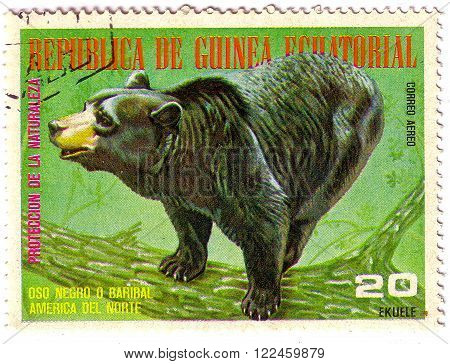 EQUATORIAL GUINEA - CIRCA 1977: A Stamp sheet printed in EQUATORIAL GUINEA shows bear, a collection of Wild animals of the North America, series, circa 1977