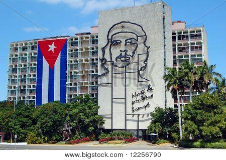 Bandera cubana y el Che Guevara