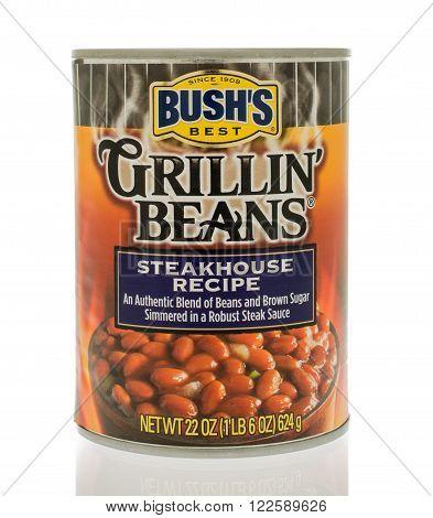 Winneconne, WI - 18 Nov 2015: A can of Bush's grillin' beans in steakhouse recipe flavor.
