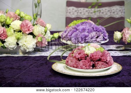 Beautiful flowers on the wedding table