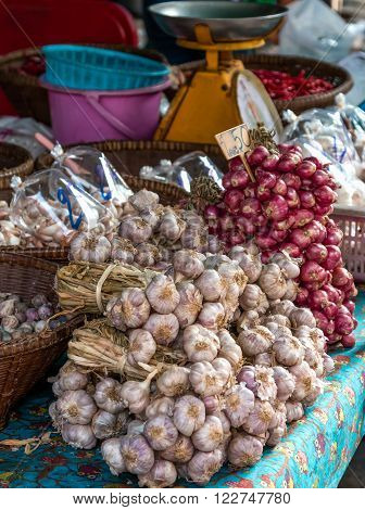 garlic and shallots sell in asia local market ** Note: Shallow depth of field