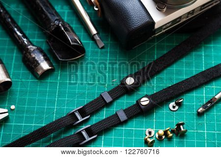 Camera Srtap Working Process Of Genuine Leather