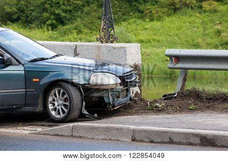 the car after accident at a border