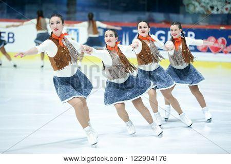 Team Spain Perform