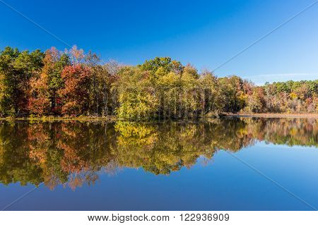 Arkansas fall landscape and lake in Petit Jean state park.