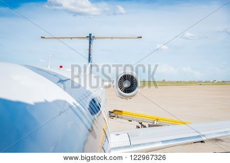 Bush International Airport, Houston - Circa June 2015 - Boarding on United airplane