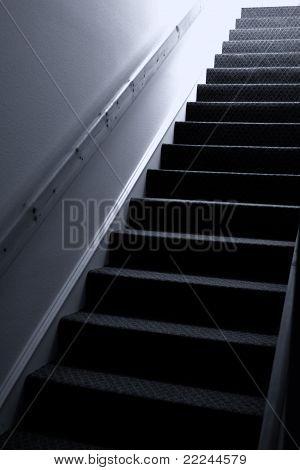 Escada em tons azul