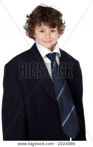 Junge In einem Anzug