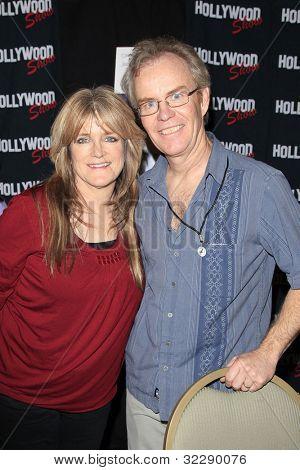 BURBANK, CA - APR 22: Susan Olsen, statt Mike Lookinland der Hollywood Show Burbank Airport Mar