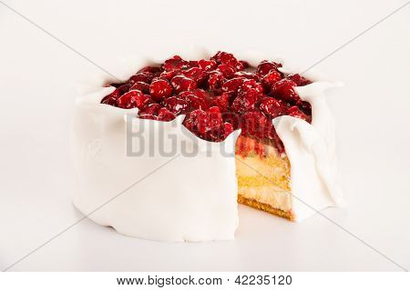 Icing raspberry cake sugar dessert red berries baked tart