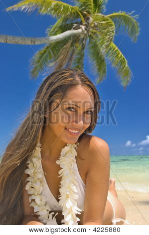 A Beautiful Polynesian Girl In  Bikini On A Hawaii Beach