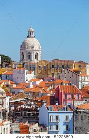 Lisbon view of Alfam's region and Santa Engrassiya's (Pantheon) church.