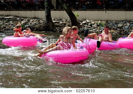 Family Tubes Down Chattahoochee River In North Georgia