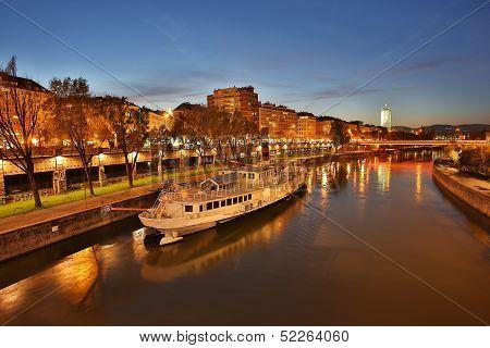 Vienna At Night, Danube Canal