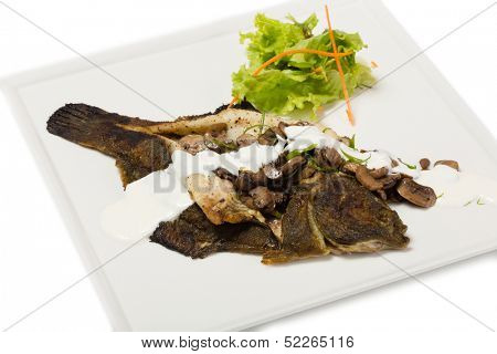 Flounder fried with mushrooms and cream sauce.